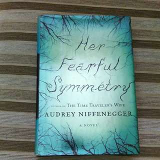 Her Fearful Symmetry audrey niffenegger - hardbound