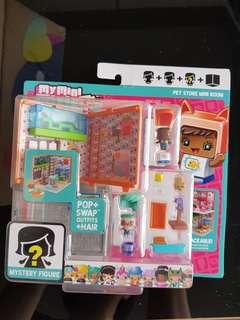 My mini mixieq's pet store mini room