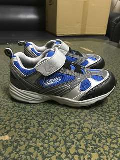 🚚 Lamigo 兒童輕量球鞋 兒童布鞋 兒童鞋18號 全新含吊牌18公分,售出不退有蝦皮PC