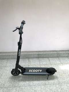 (ALMOST NEW) MOBOT Scooty Escooter