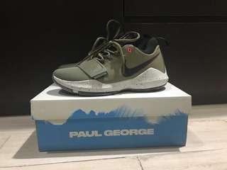 Sepatu basket nike Paul George1 army green