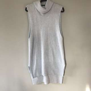 SPORTSCRAFT sleeveless pale blue knit