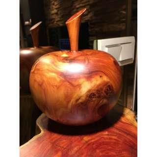 蘋果,龍柏,倒格料沒白標。非黃檜木,肖楠,龍柏,烏木、黑檀木、陰沉木,聚寶盆,血龍柏