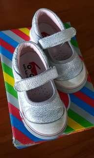 See kai run shoe for girls size US 5.5