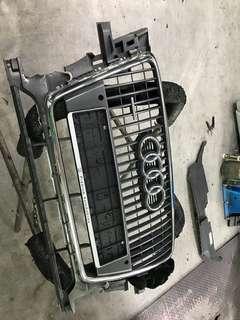 Audi Q5 2011 original front grilles