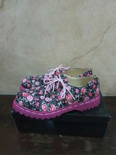 Sepatu Vintage / Sepatu Keds / Sepatu Wanita