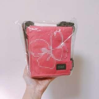 全新 粉色 輕便 相機包