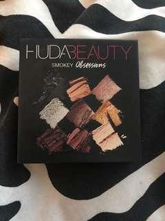 Huda Beauty Smokey Obsessions Palette