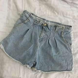 🚚 淺色牛仔褲 M號 (偏大)