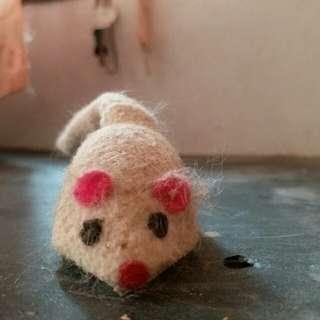 🚚 貓玩具,鼠造型玩具,下面附輪子,可滑