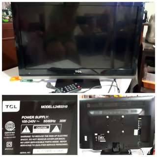 TCL LED FLAT SCREEN TV USB PORT AND AV PORT