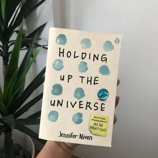 Holding up the universe by Jennifer Niven book