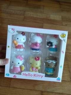 Hello Kitty Cake Topper Set. ( 6 Pieces per Set )