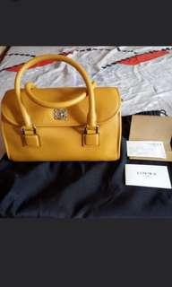 Price ⬇️ Pristine Authentic Loewe Handbag Alamo 28