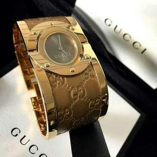 110de6ea6b9 Gucci Bangle Watch YA112434