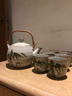 BN Vintage Teapot and Tea cups