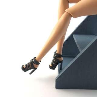 🚚 全新芭比娃娃時尚達人黑色羅馬高跟鞋|Janet Style