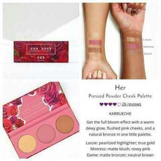 Fem rosa cosmetics set