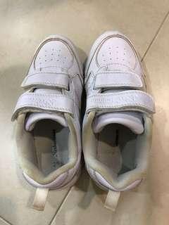 Neckermann white shoes
