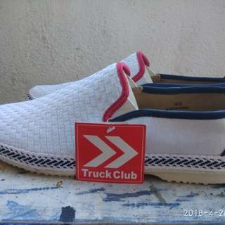 Truck club shoes white