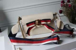 Prada/普拉达 女士豆沙色时尚链条包