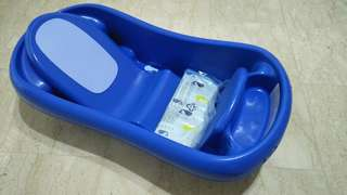 The First Years Deluxe Newborn To Toddler Tub