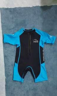 Aqua Sphere Stingray Core Warmer  - Size 4 swim suit