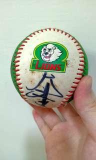 🚚 「LIONS多人簽名棒球」