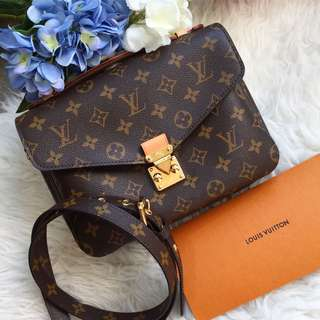 ❌SOLD!❌ Rare and Highly Sought After!⚡️ Full Set - BNIB Brand New Louis Vuitton LV Pochette Metis in Monogram Canvas and GHW