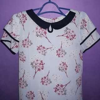 Paperdolls floral blouse