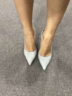 Jigsaw Pointed leather heels