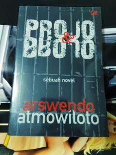 Arswendo Atmowiloto- Projo& Brojo