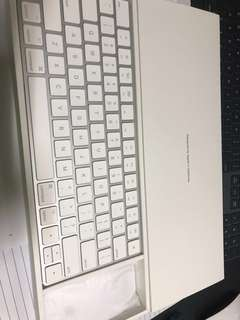 Apple Magic Keyboard 2 and Magic Mouse 2 package