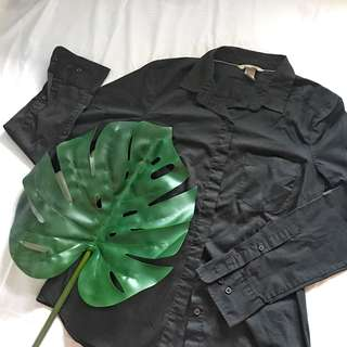 H&M Fitted Black Shirt