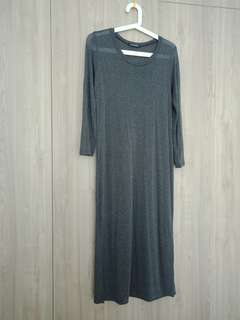 Knitted maxi dress with side slits