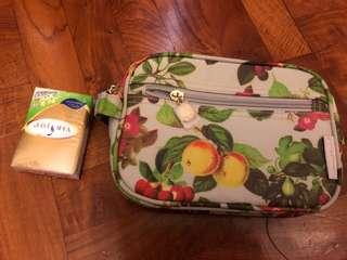 Crabtree make up bag