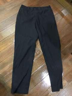 UNIQLO RUBBER Cropped BLACK PANTS