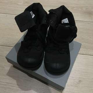 🚚 保證正品palladium童靴黑 經典款