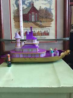 Ariel's Under the Sea Castle/Boat