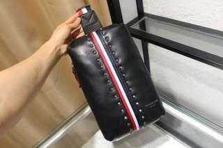 代购正品 普拉达/Prada 2017男士新款商务 旅行包黑色拎包 手提包