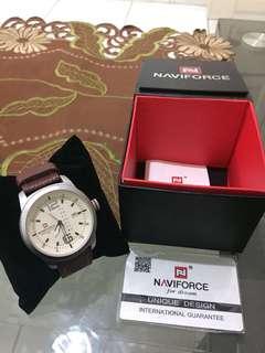 Jam tangan naviforce