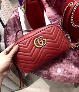 Gucci 專櫃正品 ~ 古馳 紅色 小號 相機包