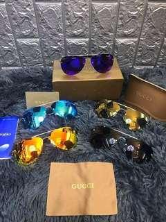Gucci sunglasses with complete inclusion