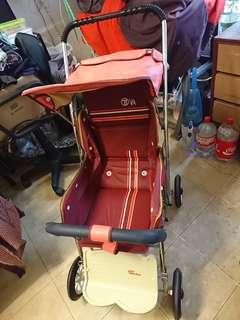八十年代嬰兒車 80's baby troller