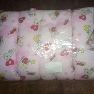 Baby Comforter With 3 Small Pillow