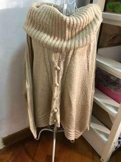 卡奇色 寬鬆毛衣
