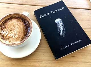 Pillow Thoughts by Courtney Peppernell (ebooks)