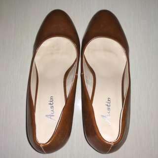 Sepatu kerja kulit