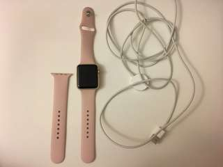 Gold Apple Watch Series 1 w Pink Band