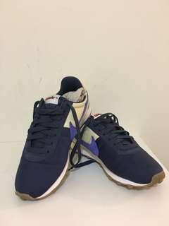 🚚 NIKE阿甘鞋👟寶藍色配鵝黃色 只穿過一次,因為有點偏大,所以售出,從日本🇯🇵扛回來的,絕對正品👍可議價